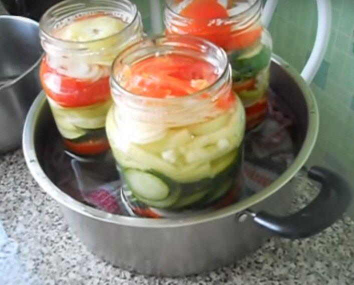Салат из огурцов дольками на зиму