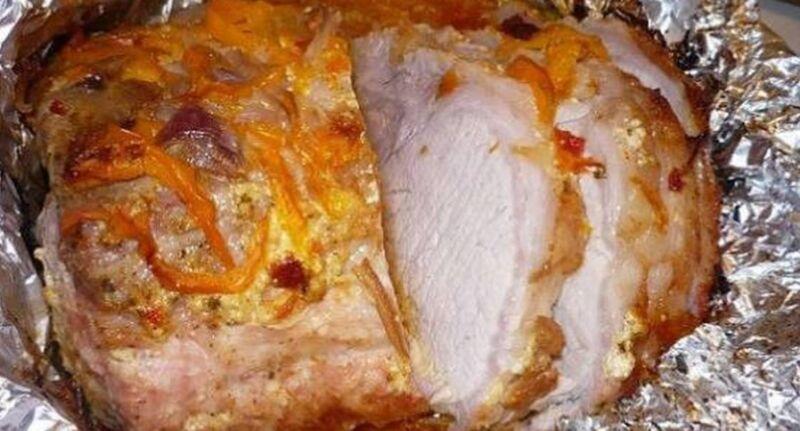 Свинина в духовке запеченная в фольге — сочная и мягкая