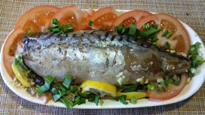 Скумбрия, запеченная в духовке быстро и вкусно — простые рецепты приготовления