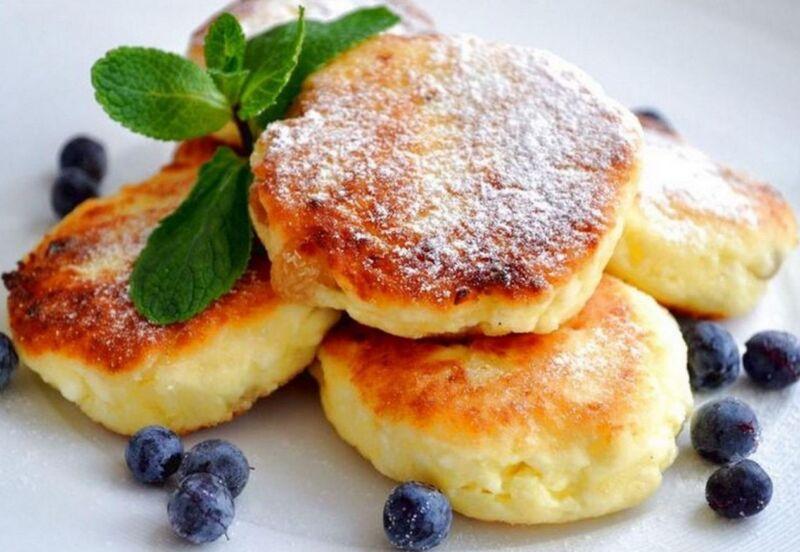 Сырники из творога на сковороде: классические рецепты пышных сырников